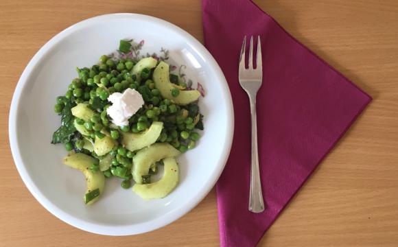 Grünkraft zum Essen – Grüne Erbsen – Minze – Salat